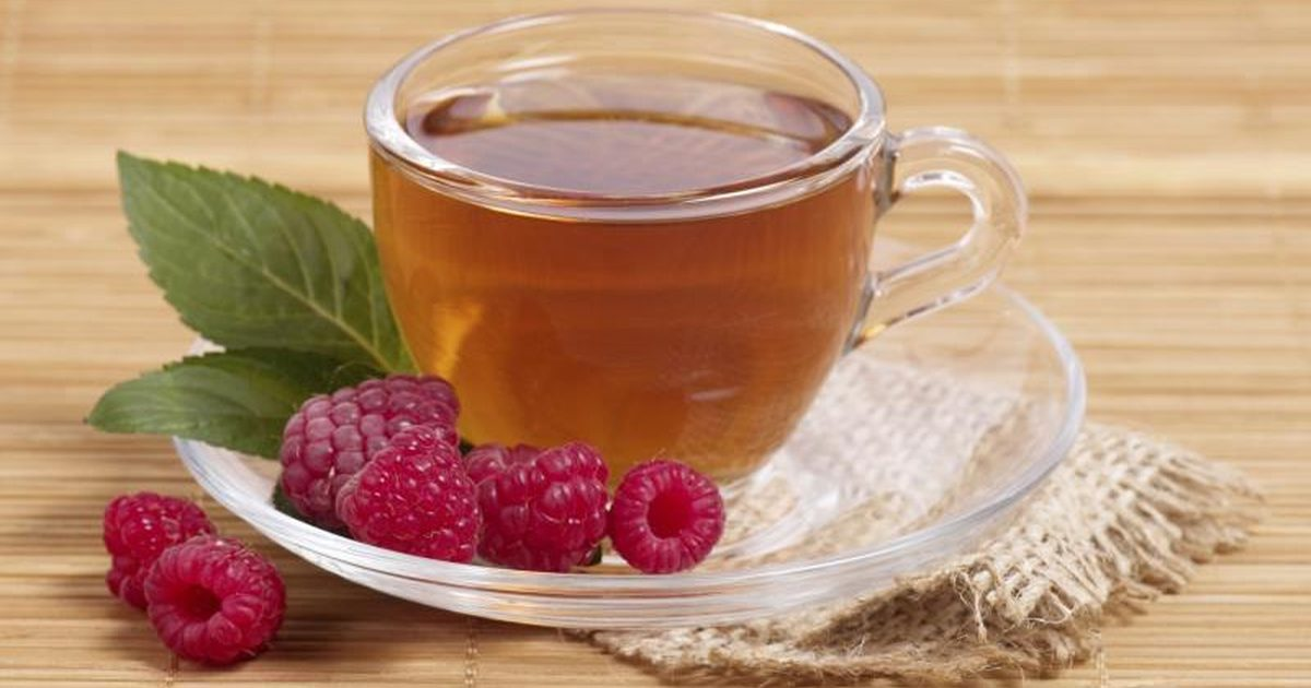 6 Common Teas That Help With Your Period | The Ladies Room